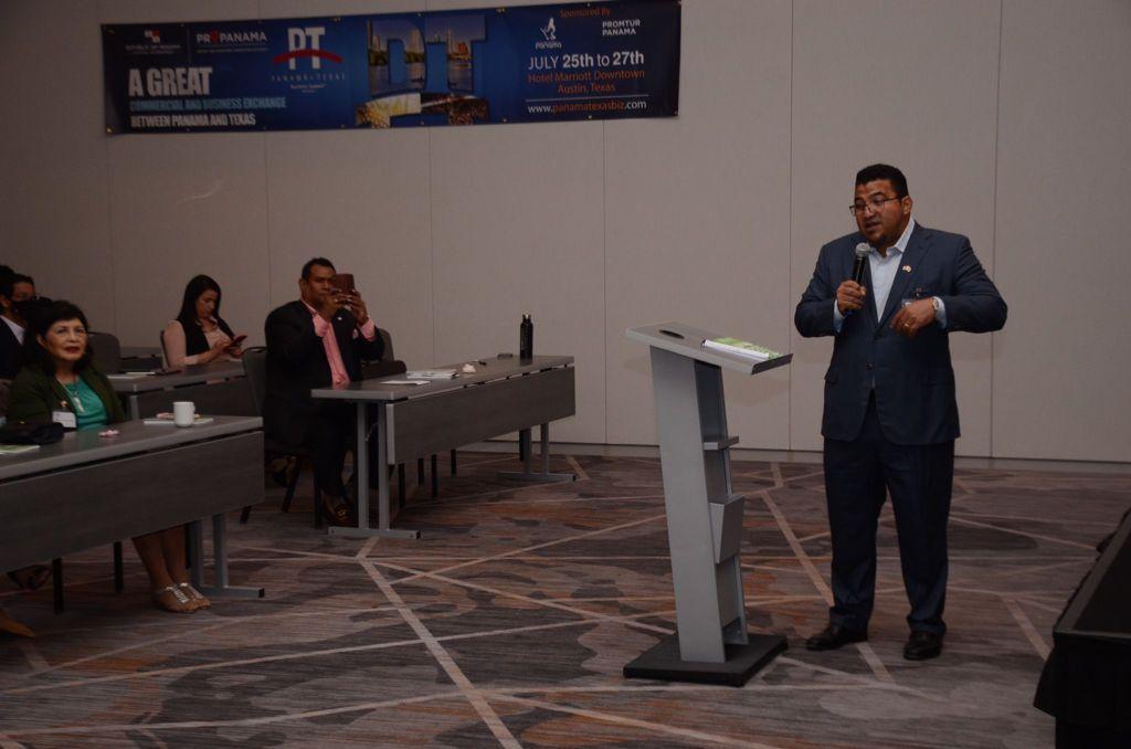 STI CEO Robert Cowes Explaining His Presentation